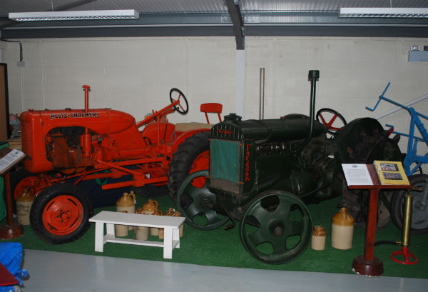 tractor600